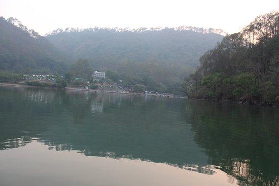 Sattal, Indien: lake