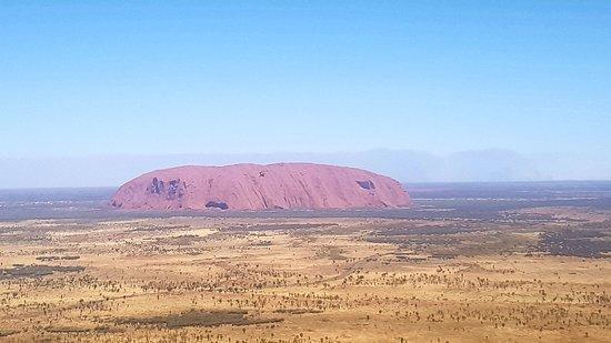 Foto de Vuelo escénico en helicóptero Uluru y Kata Tjuta