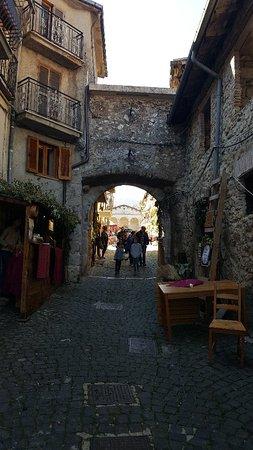 Tagliacozzo, Włochy: 20181014_120241_large.jpg
