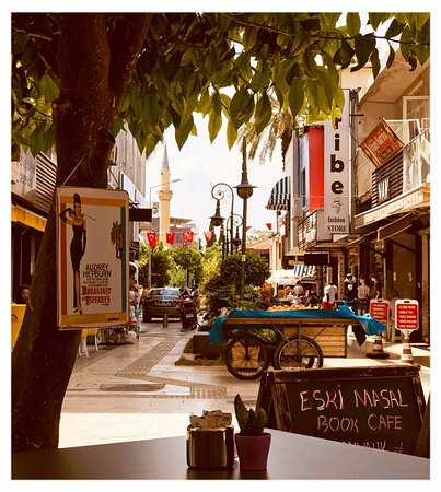 Eski Masal Book & Cafe: View to the main street