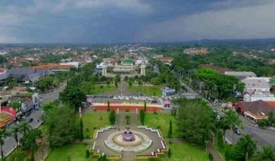 These central park is located about zero Km at Ciamis downtown around 254 ASL. The area is large