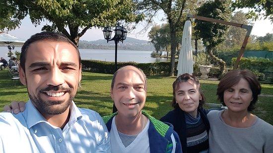 Mazze, Italy: Da sinistra: Angelo, io, la mia compagna ed infine (molto importante) la mamma di Angelo.