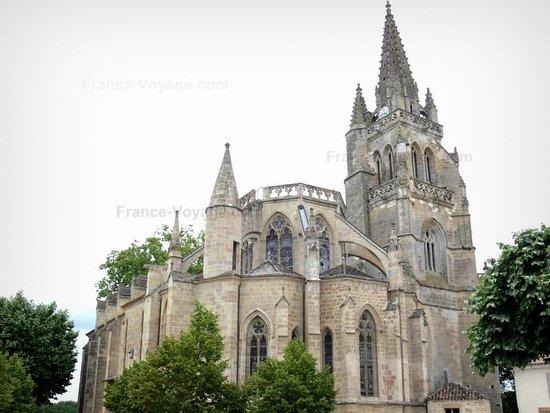 Uzeste, ฝรั่งเศส: Vue d'ensemble