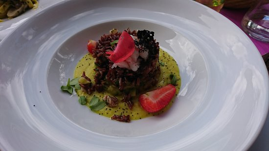 Ristorante Chalet Plan Gorret: Riz rouge et crevettes sur crème de céleri et amandes grillées