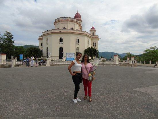 La basilica del Cobre por la parte trasera