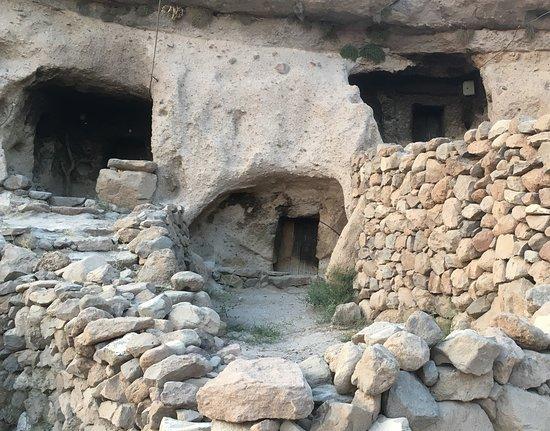 Maymand, อิหร่าน: Höhlenwohnungen