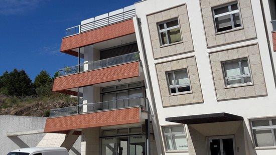 Carrazeda de Ansiães, Portugal: Edifício onde se encontra o restaurante.