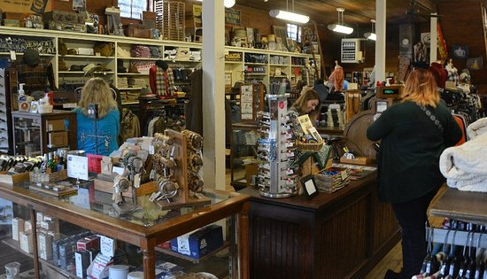 Mast General Store: Good selection of outdoor ware
