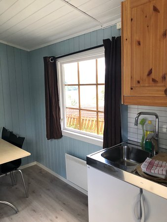 Kinsarvik Camping - Small cabin with a kitchen