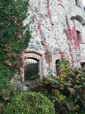 Strambinello, Italie : Un antico muro esterno