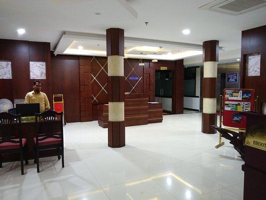 Kothamangalam, Indien: TA_IMG_20181015_210115_large.jpg