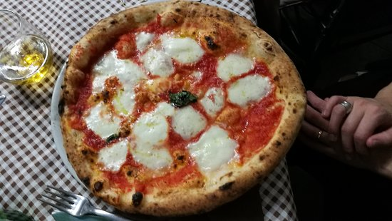 "Cesinali, Ιταλία: Pizza ""Margherita"""