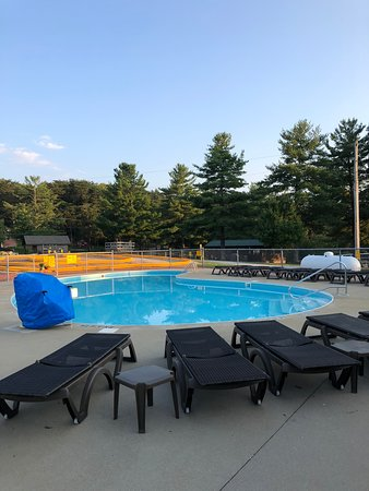 Heated Swimming Pool - Picture of Hocking Hills KOA, Logan