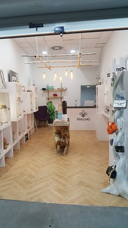 Arona, Spain: New jewels and accessories shop in Los Cristianos, Tenerife