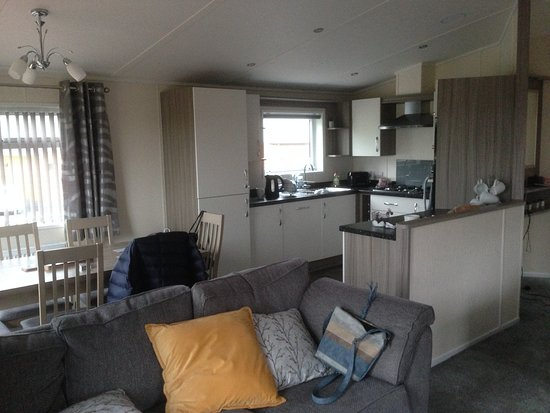 Alva, UK: dining and kitchen area
