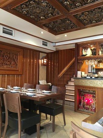restaurant pattaya la rochelle restaurant reviews. Black Bedroom Furniture Sets. Home Design Ideas