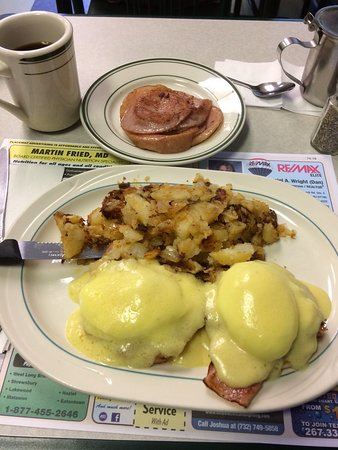 Ocean Township, NJ: Eggs Benedict and Taylors Ham