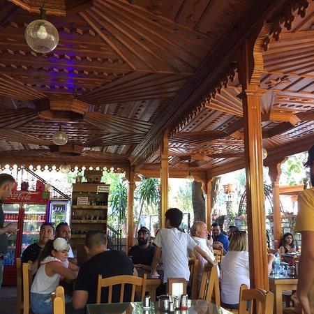 Gokova, Turkey: Mekan hoş. Menüde çeşitli tostlar bekledik ama bildiğiniz tost. Farklı bi özelliği yok. Portakal