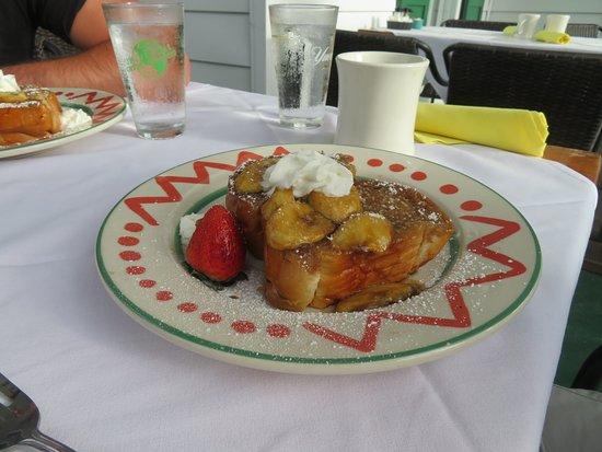 Elaine's Bed & Breakfast Inn : breakfast