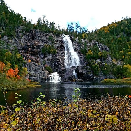 Agawa Canyon Tour Train: Bridal Veil Falls