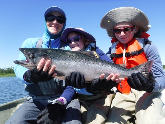 King Salmon, อลาสกา: Anglers of all ages and experience level are welcome!
