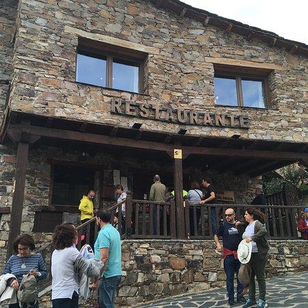 Valverde de los Arroyos, Hiszpania: Restaurante Meson Despenalagua