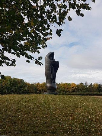 Much Hadham, UK: Large Upright Sculpture