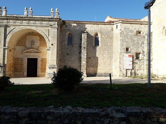 San Juan De Ortega, إسبانيا: 20180928_181953_large.jpg