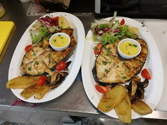 Ξιφίας με ψητά λαχανικά-Swordfish with grilled vegetables