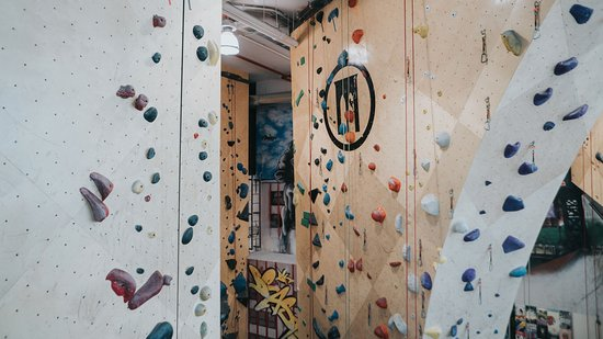 Brooklyn Boulders - Rock climbing - Long Island City location