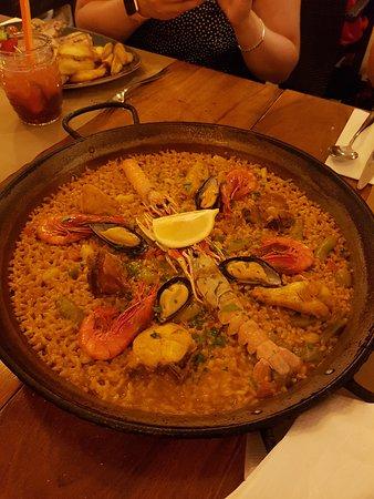 Posidonia Restaurant: Paella Mixto