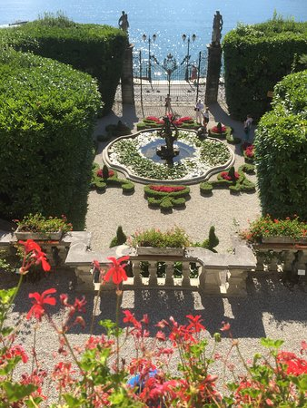 Beautiful Villa Carlotta Entrance