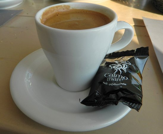 Finikas, Grèce : Strong coffee