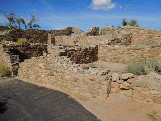 Aztec, NM: Ruins-4-Rooms