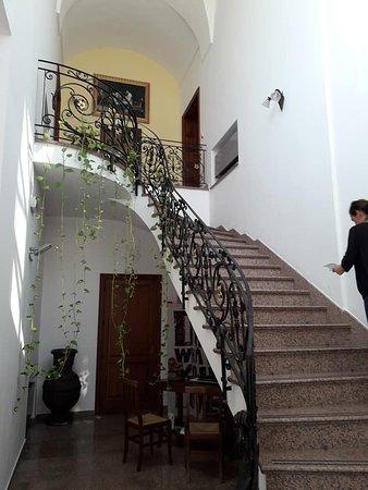 Cocumola, Italie : La scalinata