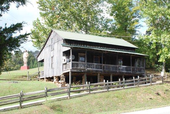 Hurricane Mills, TN: Ranch