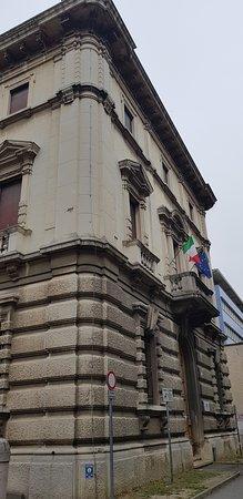 Ex Casa del Fascio: Viale Cavour 75