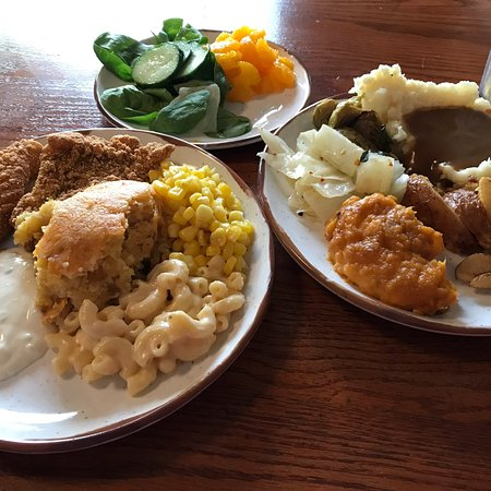 Pleasant Aunt Grannys All You Can Eat Buffet Pigeon Forge Home Interior And Landscaping Transignezvosmurscom