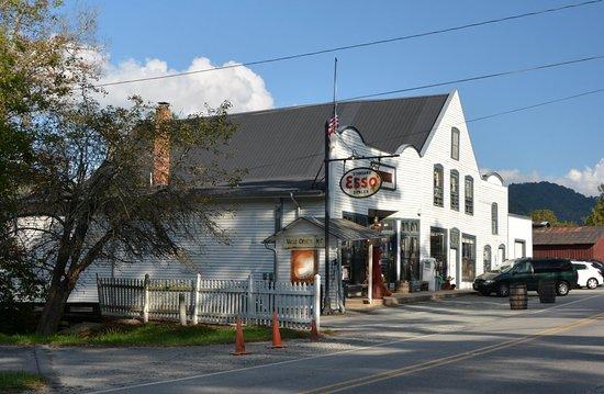 Mast General Store: Original Store