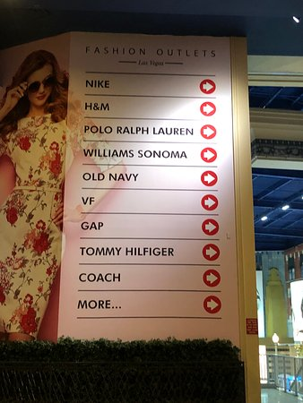 Fashion Outlets of Las Vegas: Sign with directions