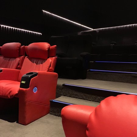 Cinescape 360: Vip seats in new sgape
