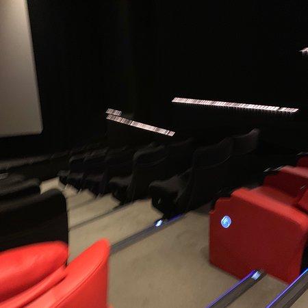 Farwaniya, Kuait: Vip seats in  new sgape