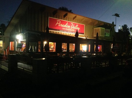 Paradise Cafe: View of the restaurant from the parking