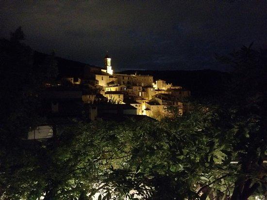 Peillon, Frankreich: 20180924_215322_large.jpg