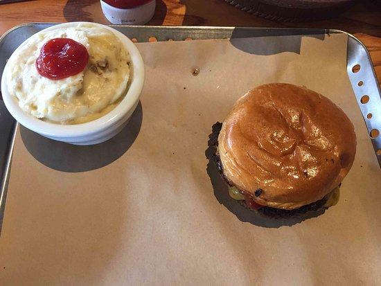Flanders, NJ: Cheeseburger and mashed potatoes - yum!