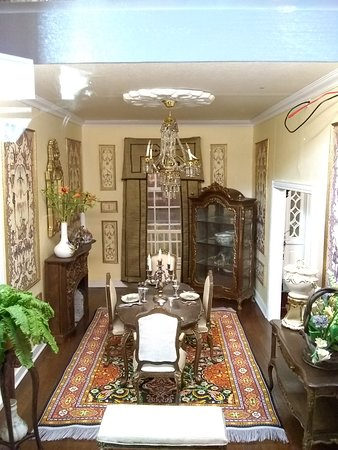 The Great American Dollhouse Museum: Just a taste