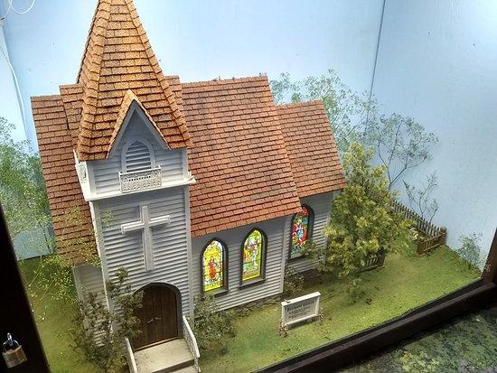 The Great American Dollhouse Museum: Beautiful church