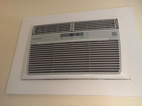 Grass Valley, CA: Heater in bedroom