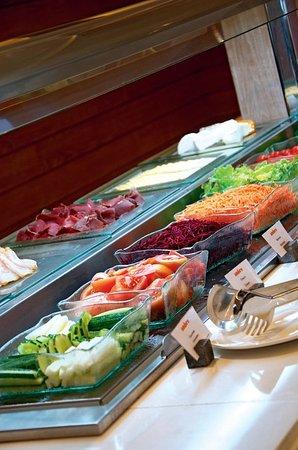 Palmar: Salad Buffer at Indigo Restaurant