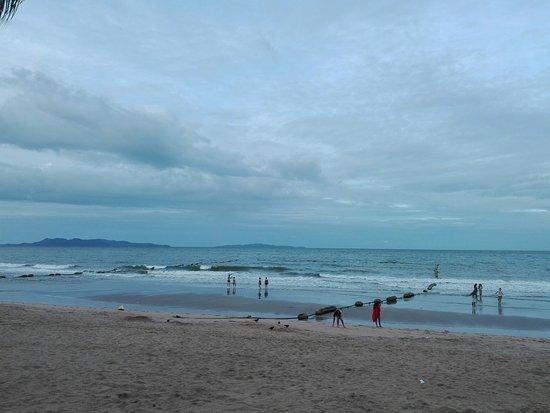 Beach - Jomtien Palm Beach Hotel & Resort Photo